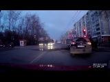 Видеорегистратор зафиксировал момент столкновения с дорогой.Такое возможно только в России.